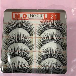 10 pairs of full eyelashes